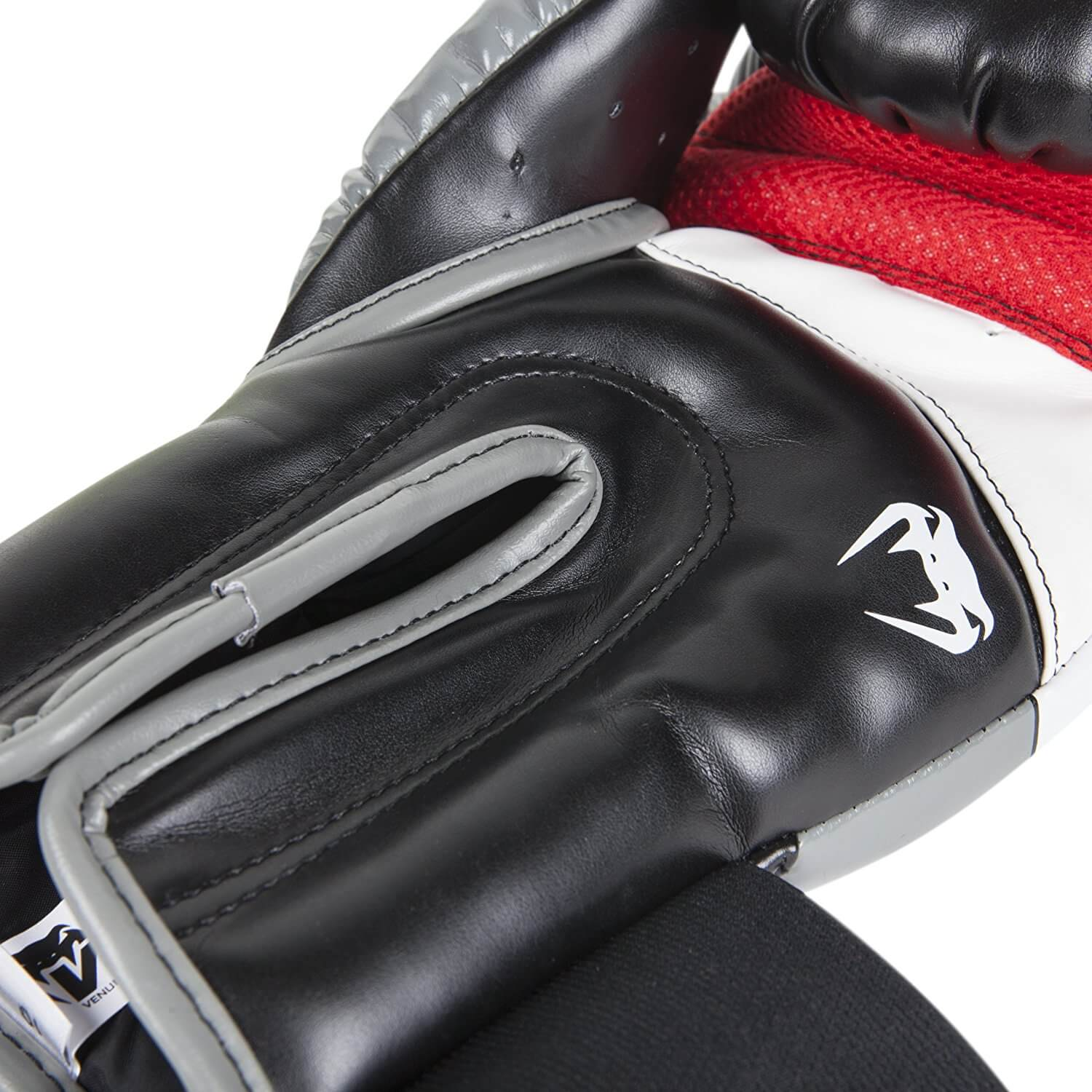 Venum Elite Boxing Gloves - Closure