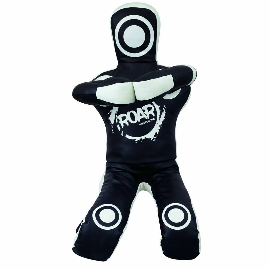 roar bjj dummy black and white